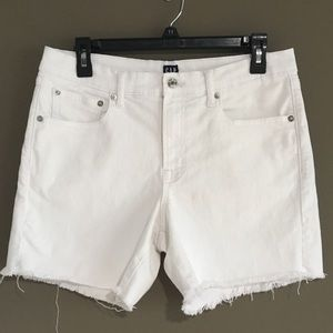 "Gap Denim 5"" white jean shorts, size 28 Regular"
